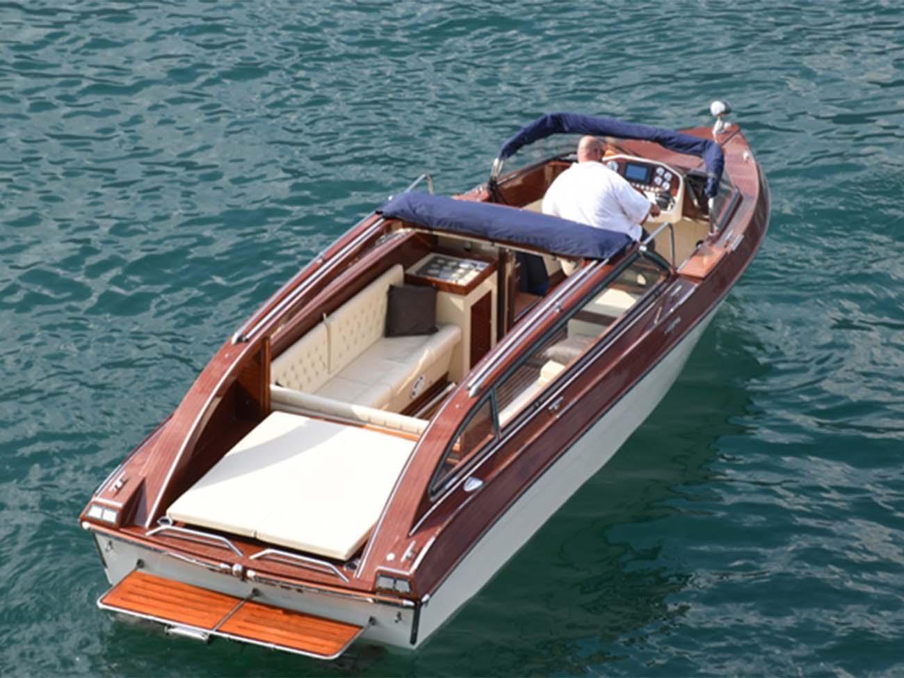 Taxi-Boat-Chaplins2